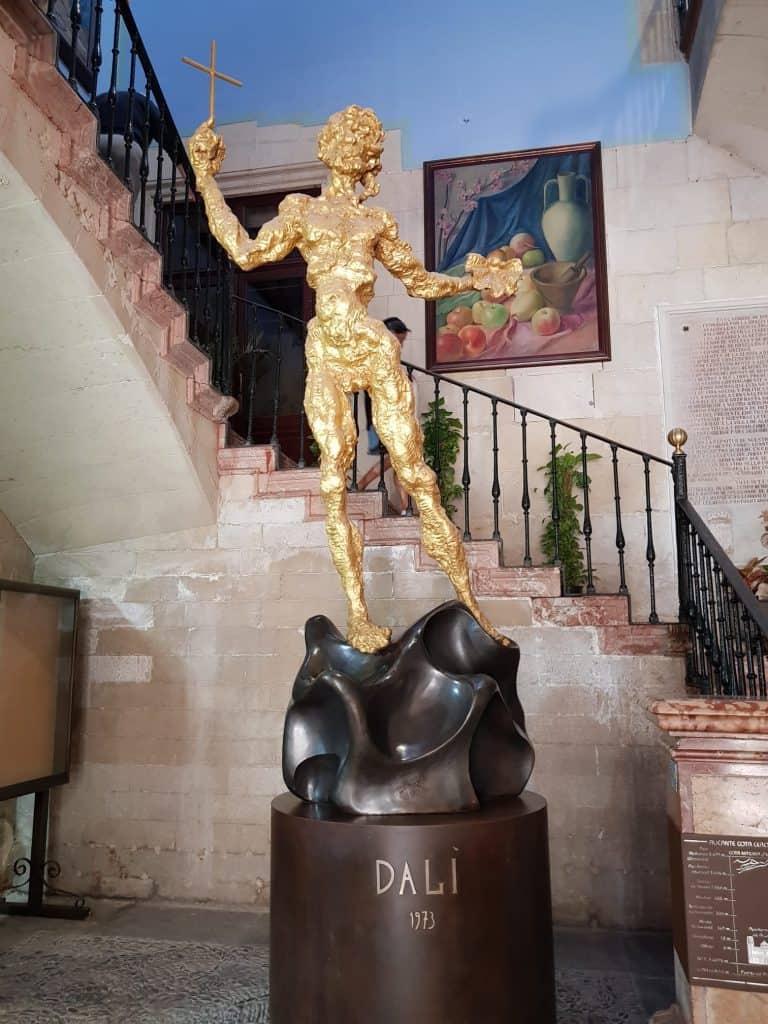 Sculpture Hôtel de ville Alicante