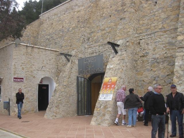 Entrée des grottes de Canelobre